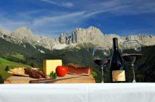 Pranzo in vetta con vista, la proposta di fine estate dell'Hotel Lamm di Castelrotto